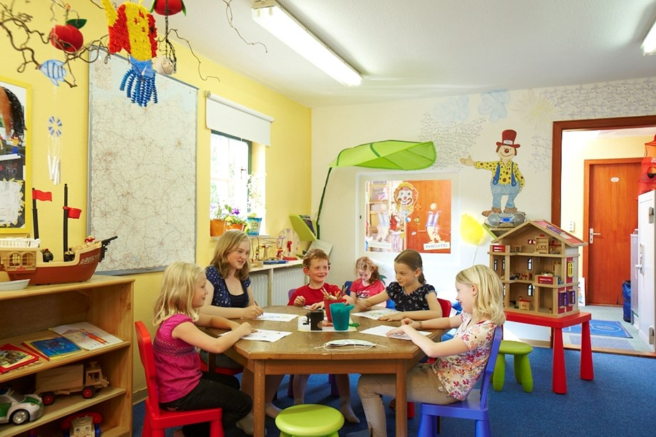 "Kinderhotel: Kinderbetreuung ""Happy Club"" - Familotel Frieslandstern"