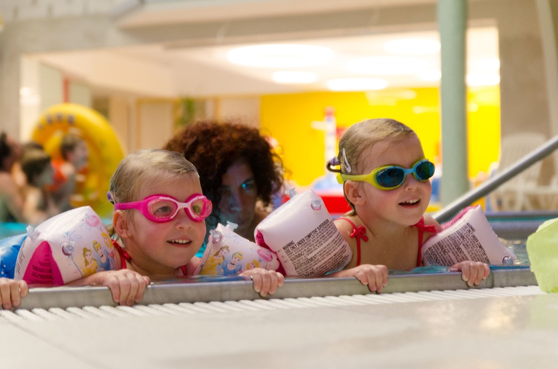 Kinderhotel: Schwimmkurs in der Familientherme - Kolping Hotel Spa & Family Resort