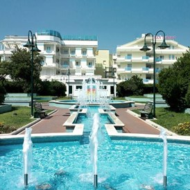 Kinderhotel: Tolle Poollandschaft am Hotel - Hotel San Marco