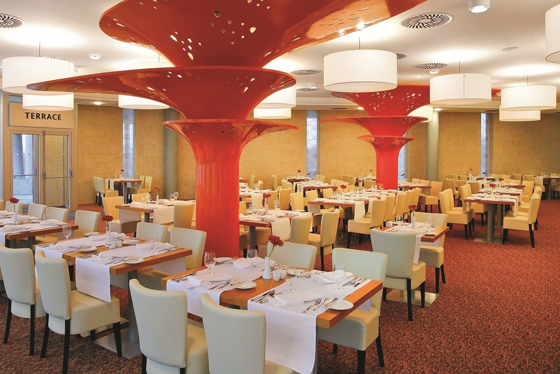 Kinderhotel: Aquapalace Hotel Prague - Astra Restaurant - Aquapalace Hotel Prag