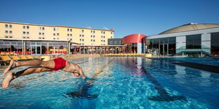 Familienhotel - Pools: Sportbecken - H2O Hotel-Therme-Resort
