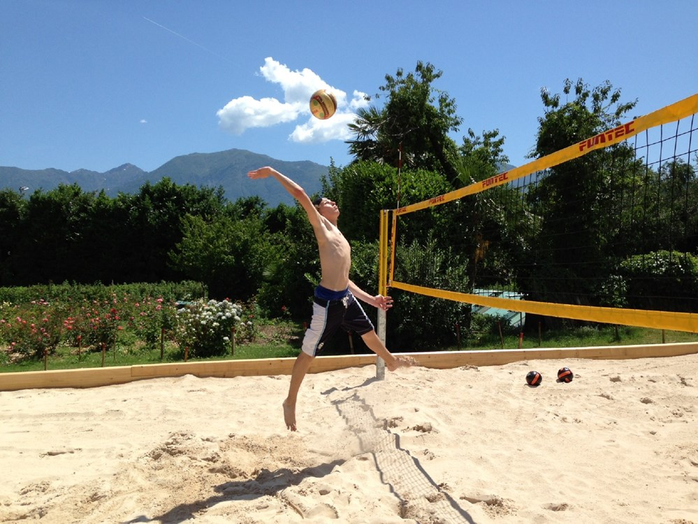Kinderhotel: Beachvolley - Albergo Losone