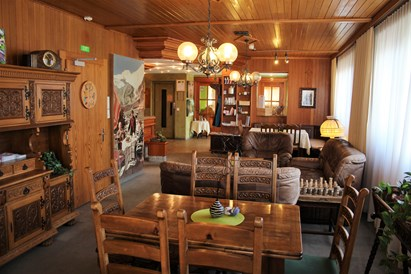 Kinderhotel: Lobby/Lounge Swiss Family Hotel Alphubel - Swiss Family Hotel Alphubel
