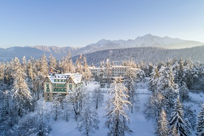 Kinderhotel: Waldhaus Flims Drohne Areal Winter - Waldhaus Flims Wellness Resort