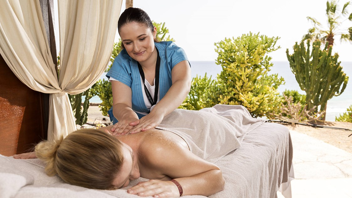 Kinderhotel: Wellness-Massage im WellFit-Spa! - ROBINSON Club Esquinzo Playa
