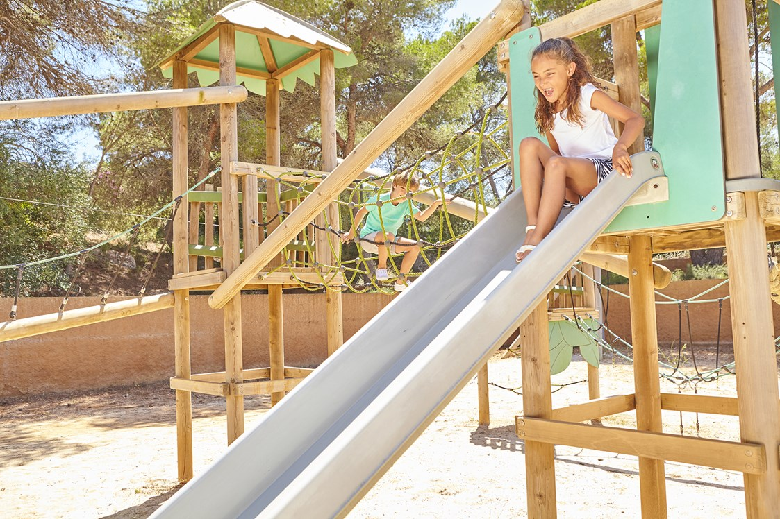 Kinderhotel: Rutsche am Spielplatz - Blau Privilege PortoPetro Beach Resort & Spa