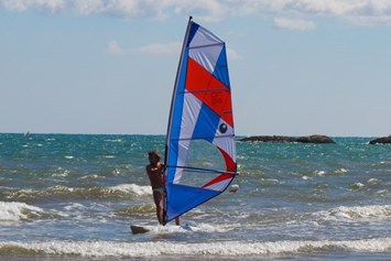 Kinderhotel: Windsurfen - Gattarella Resort