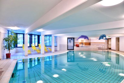 Kinderhotel: Inndorpool - Gut Wenghof - Family Resort