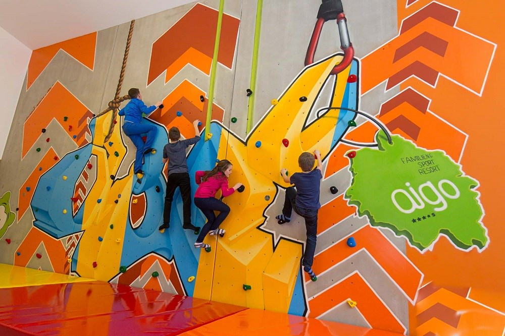 Kinderhotel: Boulderwand - AIGO welcome family