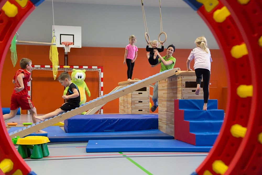 Kinderhotel: Turnhalle - AIGO welcome family