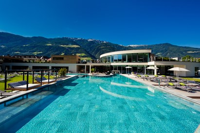 Kinderhotel: Outdoor-Pool - Familien - und Wellnesshotel Prokulus